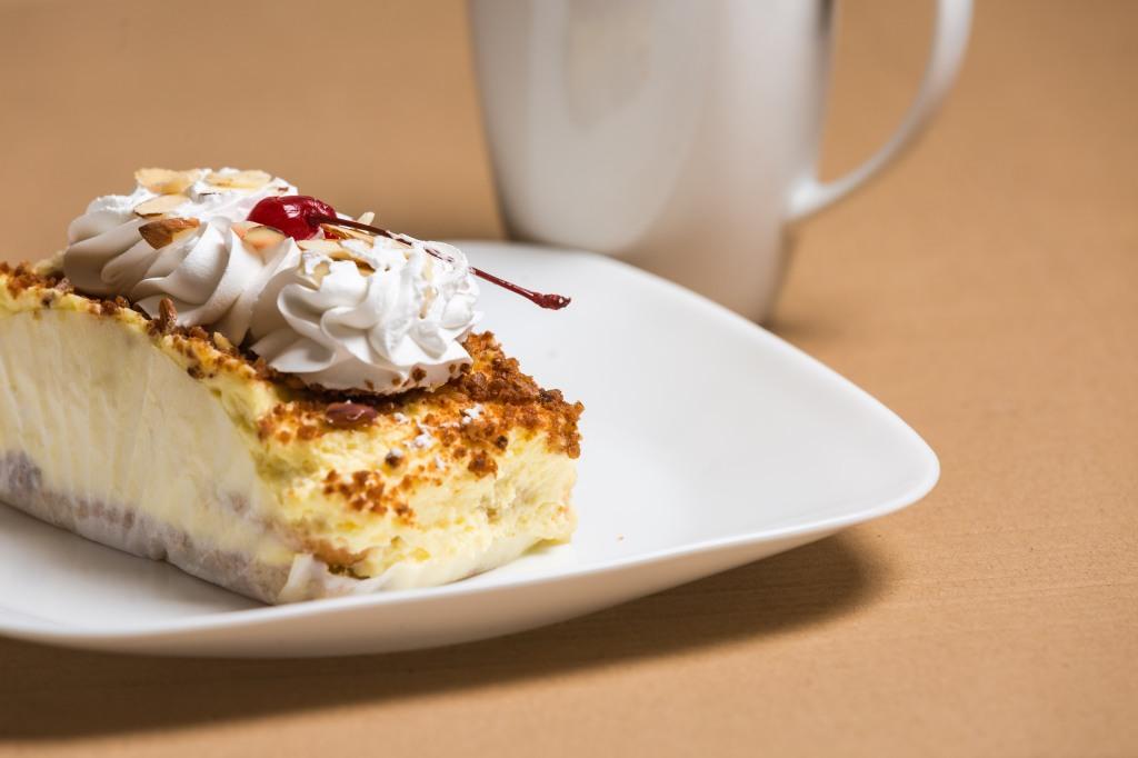 Almond cream cake-2