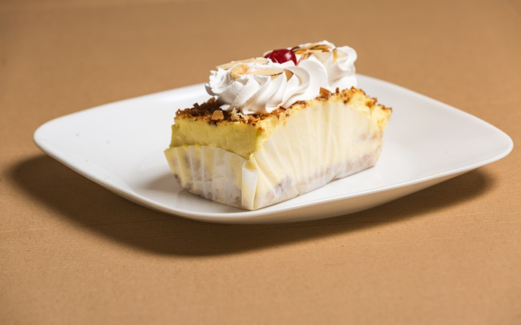 Almond creme cake-3
