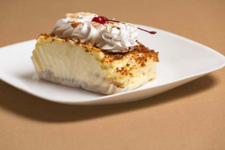 Almond creme cake-4