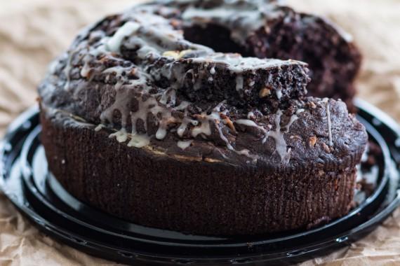 Coconut creme pudding cake-07