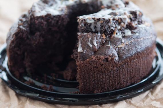 Coconut creme pudding cake-10