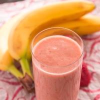 Miss Lou strawberry-apple-banana smoothie