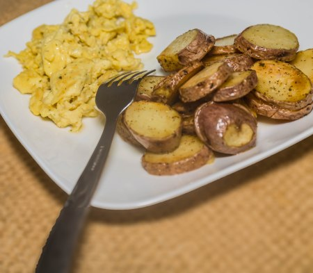 scrambled-eggs-and-potatoes-1-4