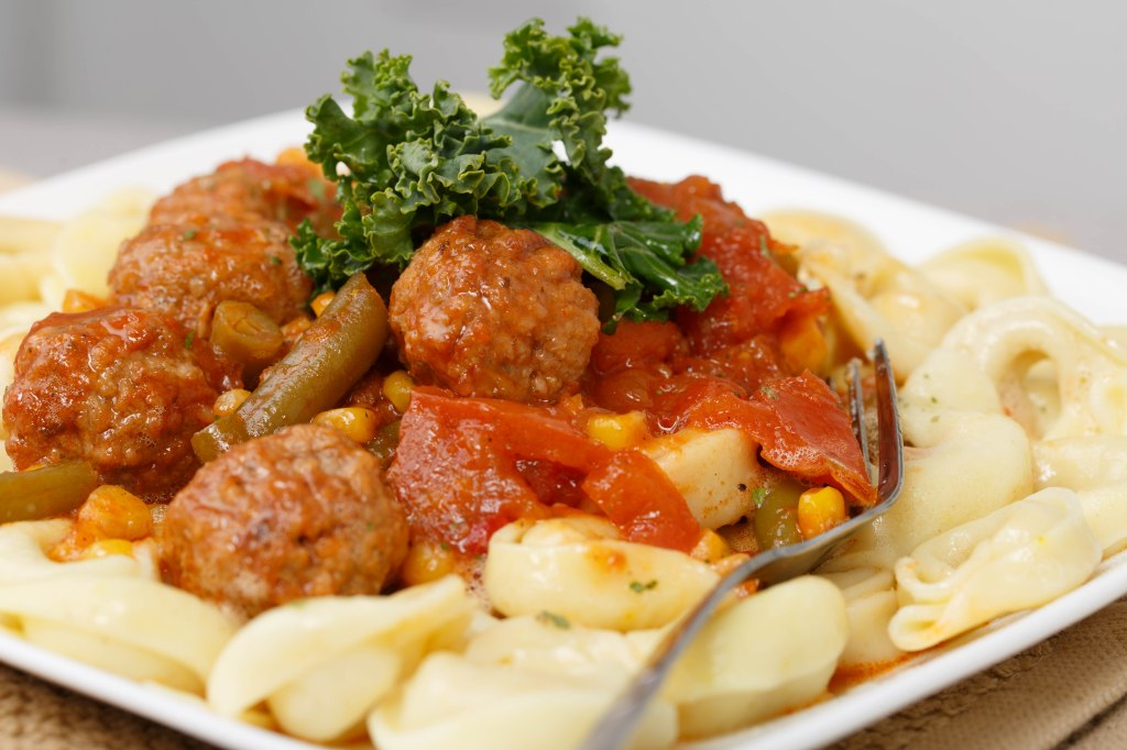 turkey-meat-balls-and-cheese-tortellini