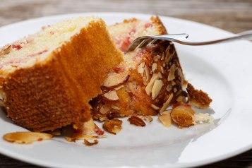Addictive Almond pudding cake