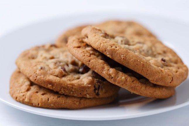 Oatmeal raisin cookies-1