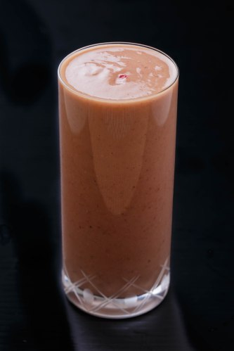 Mango-strawberry-oatmeal smoothie - Copy