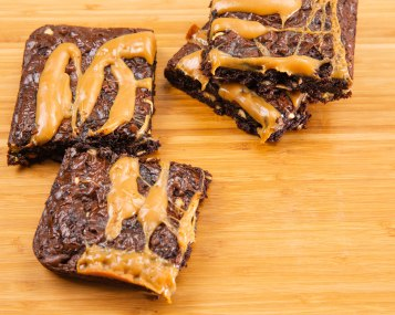 caramel walnuts brownies-4