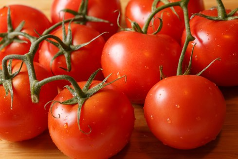 table tomatoes-2