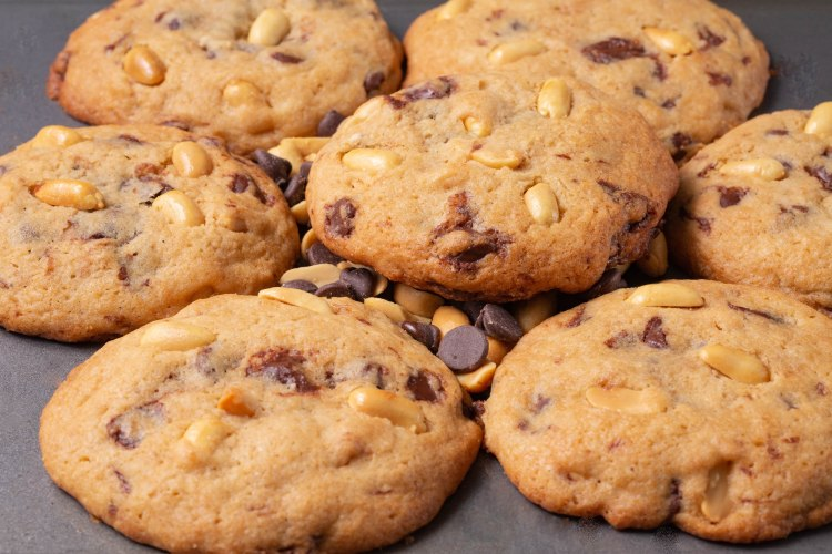 Chocolate chip peanut cookies-3