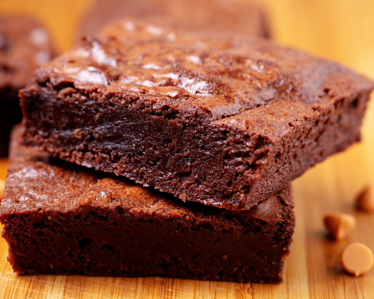 Enticing double chocolate brownie chunks