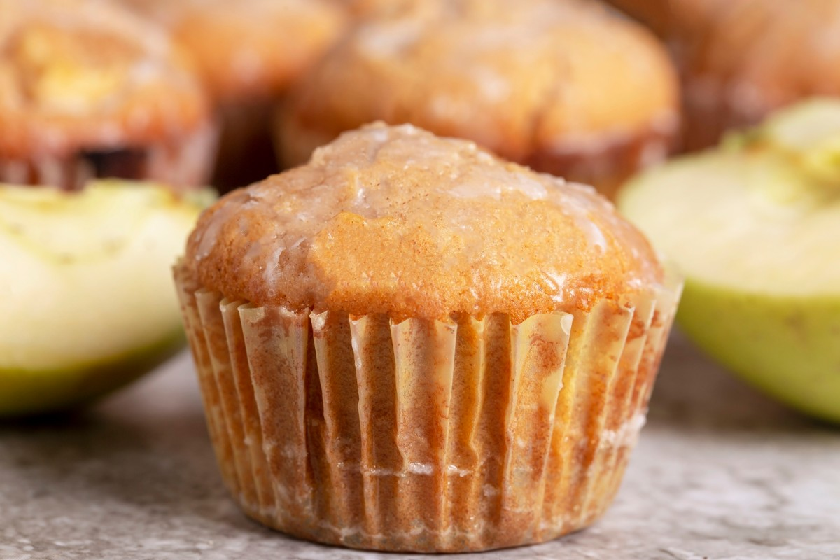 Non-dairy cinnamon apple cupcakes