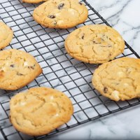 Cranberries white chocolate cookies