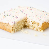 Vanilla Cake with Coconut flakes topping